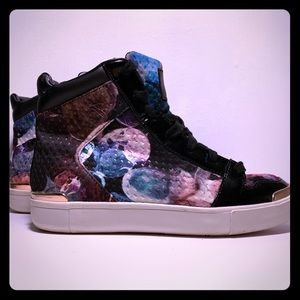 Ted Baker Paryna high top sneaker size 7